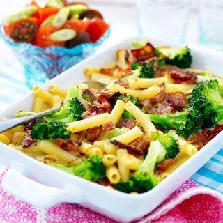 Pasta Och Broccoligratang Med Bacon Recept Bacon Pastarecept
