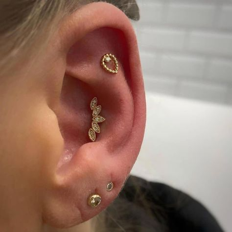 Look at that shine! Stunning Sophie's Tear flat piercing and a dazzling Serenity in the conch, both in yellow gold from @bvla @bvlalove pierced by our talented @lcpiercing ��  To see our full range of jewellery please pop into the studio or visit our website (link in bio) #lovehatesocialclub #lovehatelondon #tattoostudio #nottinghill #london #uktattoos #uktattoostudio #londontattoostudio #tattoo #tattooartist  #tattoodo #tattoodesign #blackandgreytattoo #p #fullearpiercing