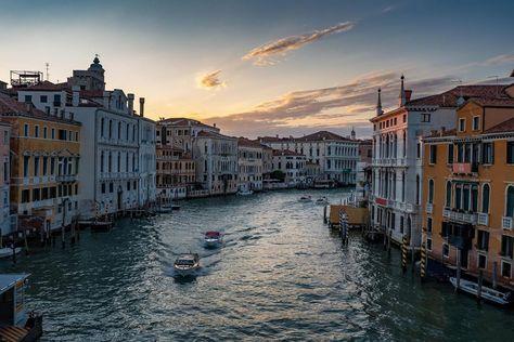 "Christian Freiwald on Instagram: ""Canal Grande - #canalgrande #veniceitaly #venice #venedig #nightshot #longexposure #sunset #trip #sightseeing #tbt #nofilter #holiday…"""