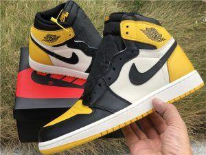 Air Jordan 1 Yellow Toe Outfit