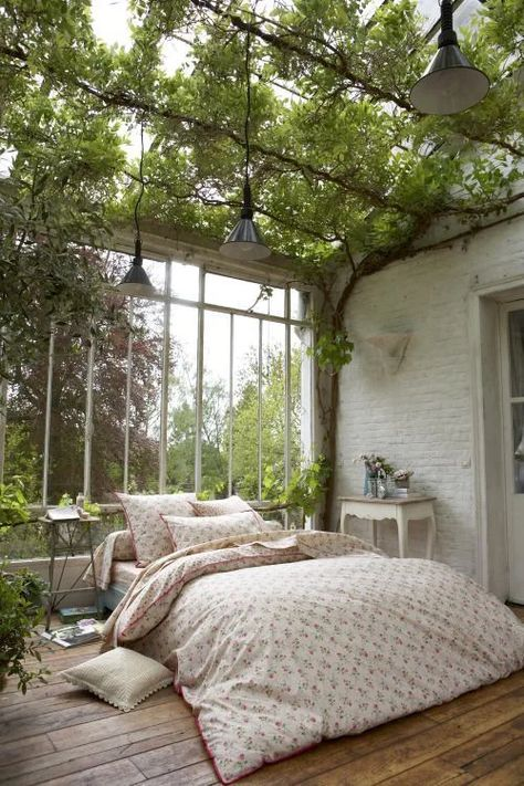 Modern And Minimalist Bedroom Design Ideas In 2020 Dream Rooms, Dream Bedroom, Pretty Bedroom, Bedroom Green, Outdoor Bedroom, Outdoor Rooms, Room With Plants, Plant Rooms, House Plants