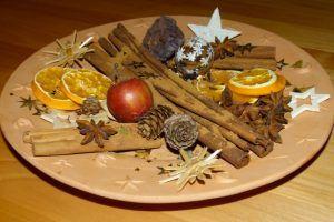 Adventsdekoration Erfreut Unsere Seele In Der Dunklen Tristen Jahreszeit Orangenscheiben Trocknen Advent Orangenscheiben