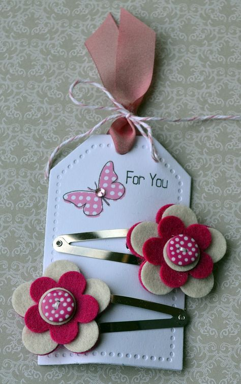 felt flower hair slides... gifts for mylie's friends at her party