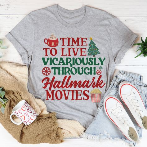 Time to Live Vicariously Christmas Tee #fashionista #homeschoolmama #liketoknowitstyle #wearingtoday #millennialmom #womenstyle #fashion #whatiwear #onlineshopping #casuallook