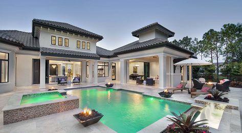 Derin Bir İç Geçirten Mükemmel 20 Havuzlu Villa