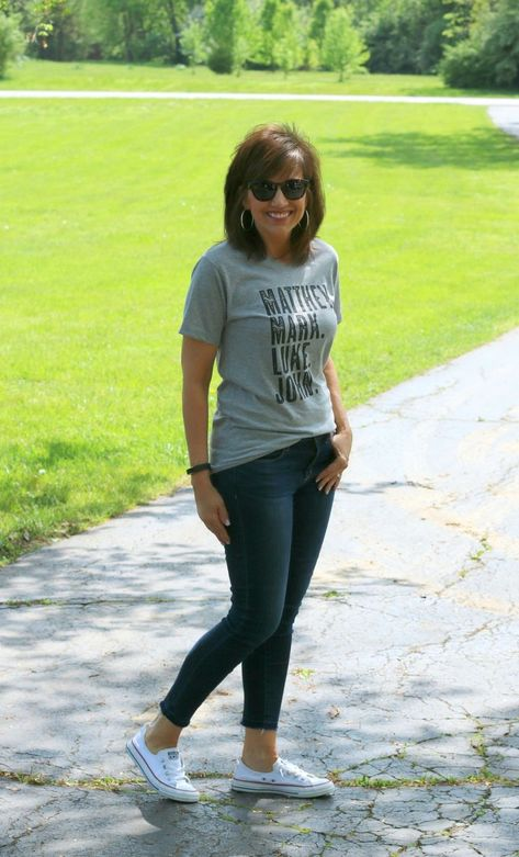 Weekend fashion-Graphic Tee - Grace Source by savsouthernchic idea casual