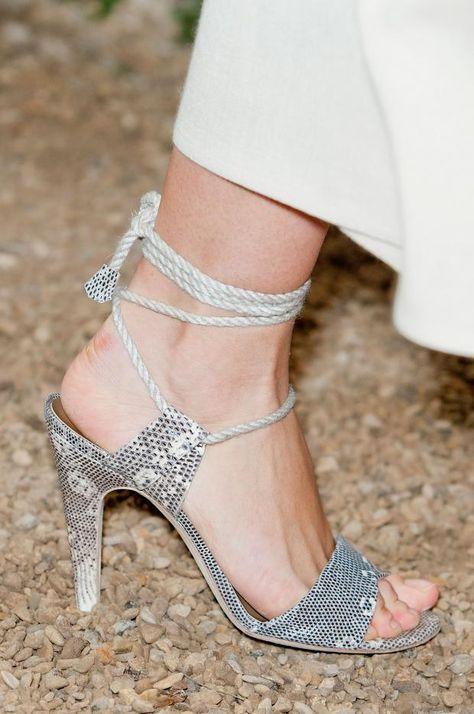 Hermès SpringSummer 2014 | Beautiful shoes, Shoes, Fashion