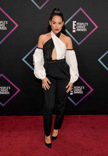 Brie Bella attends the People's Choice Awards 2018.