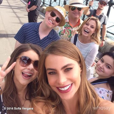 Modern Family cast. Sydney maybe??? Who's the random dude in the very back, camera crew? LOL