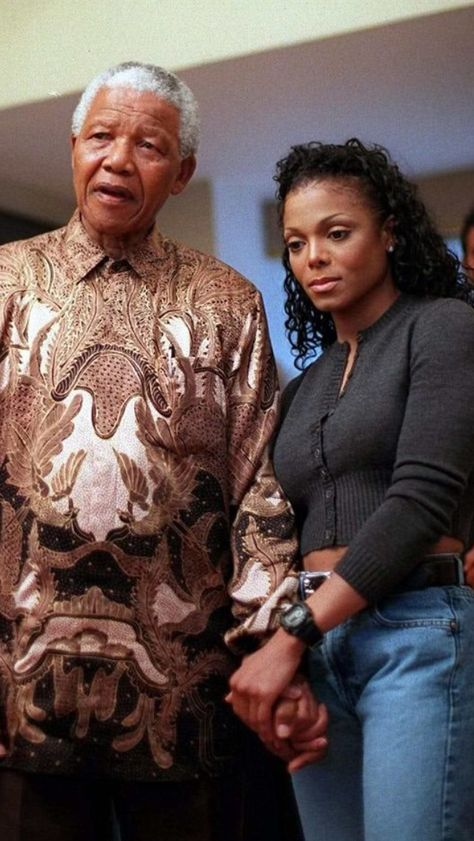 🇿🇦Nelson Mandela and Janet Jackson in 1998 Nelson Mandela, Janet Jackson, My Black Is Beautiful, Beautiful People, Simply Beautiful, Gorgeous Women, Divas, Jackson Family, The Jacksons