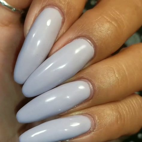 Can you believe it? Use a pink builder gel as base, you just need to apply one coat of this light purple polish on your nails and it will turn out opaque enough! #aimeili #aimeiligelpolish #gelnailpolish #nailpolish #gelnails #nails #nailarts #nailartdesigns #gelmanicure #manispedis #lightpurplenails