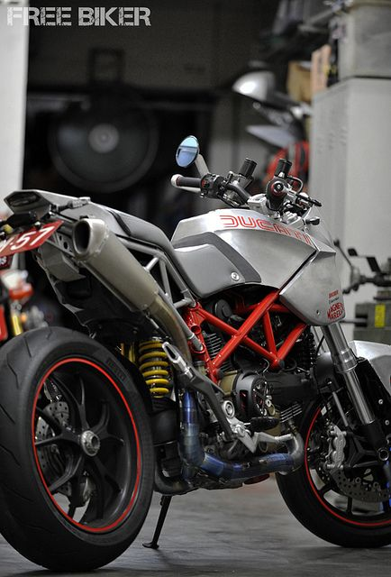 ducati scrambler? - looks like a modified multistrada | awesome