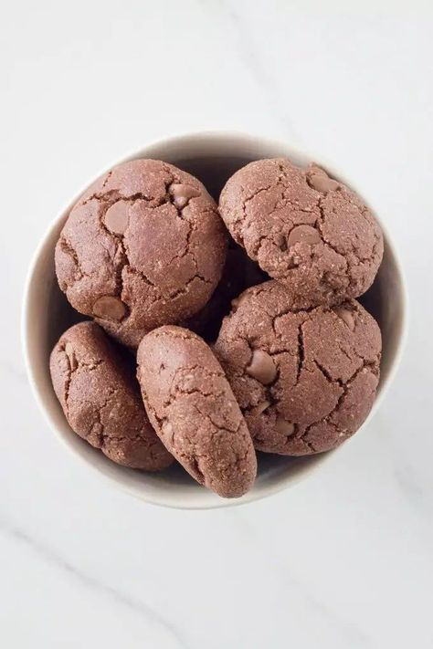 These gluten free double chocolate chip cookies are full of flavour and tasty as. Not only are they gluten free, but they are also paleo, dairy free and vegan. You're welcome!! #doublechoc #cookies #gluten free | becomingness.com