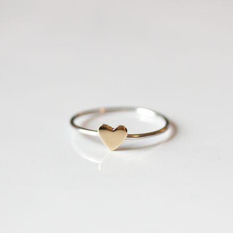 TINY BRONZE HEART - Ring