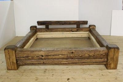 Balkenbett rustikal  Balkenbett aus altem Holz | Beams, Woods and Rustic bed