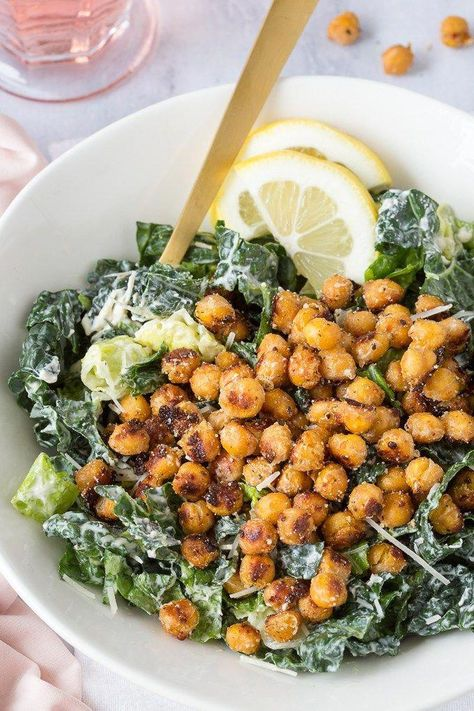 Kale Caesar Salad {with Parmesan Roasted Chickpeas} - Simple Healthy Kitchen - Recipes - Healthy Caesar Salad, Kale Caesar Salad, Healthy Snacks, Healthy Eating, Healthy Drinks, Healthy Life, Healthy Salads For Dinner, Simple Healthy Lunch, Chickpeas