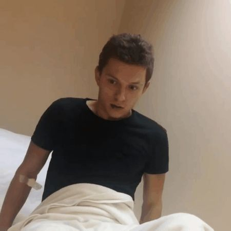 Tom Holland's Fans Turn Him Into a Meme After His Wisdom Teeth Surgery Wisdom Teeth Removal, Tom Holland Peter Parker, Tom Parker, Men's Toms, Marvel Memes, Avengers Memes, Robert Downey Jr, Tony Stark, Reaction Pictures