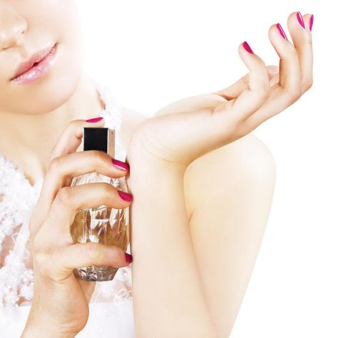 Bild: Thinkstock #parfum #pinknails #paleskin