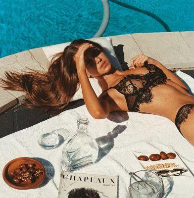 schoner bikini arsch tan line