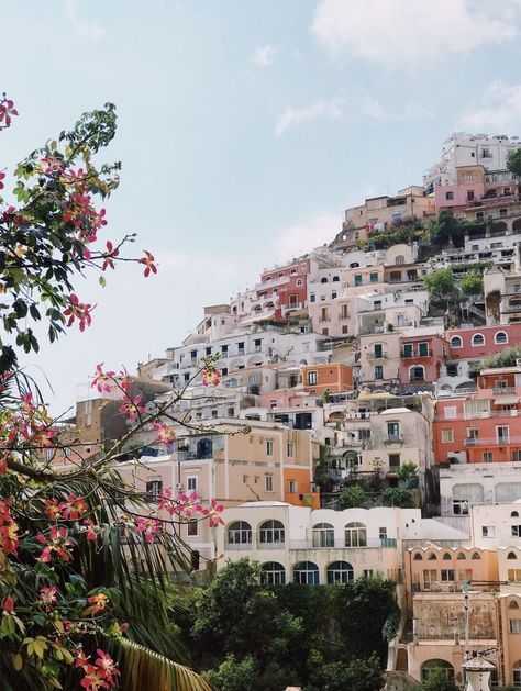 Spring in europe adventure travel, welt, amalfi coast, places to travel, tr The Places Youll Go, Places To Visit, Places To Travel, Travel Destinations, Greek Island Hopping, Travel Aesthetic, Travel Goals, Travel List, Travel Guides