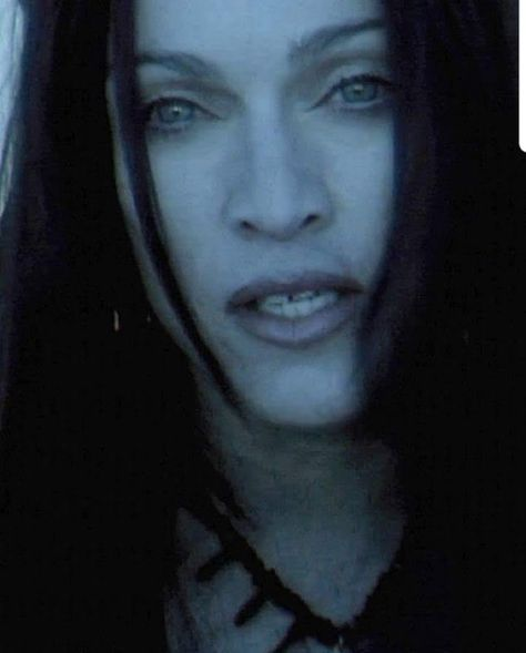 #frozen #musicvideos #rayoflight #chriscunningham #madonna #God #goth