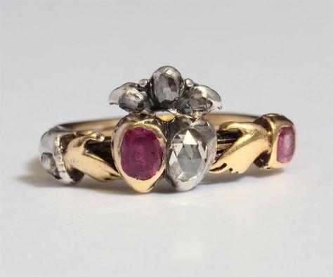 """Bagues anciennes / Baroque / Bague d'amour du 18e siècle dite """"bague de foi"""" en diamant et rubis."""