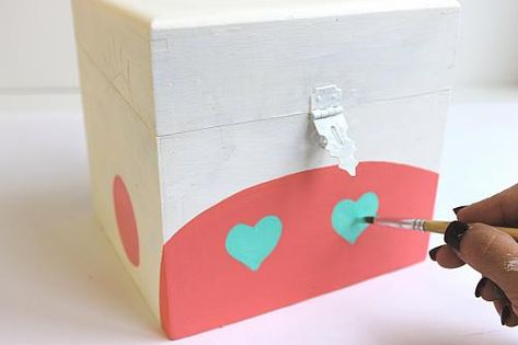 painted unicorn valentine card box project by decoart poneys e