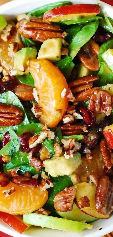 Thanksgiving Salad: Apple Cranberry Spinach Salad with Pecans, Avocados (and Balsamic Vinaigrette Dressing) #holidaysalad #Thanksgiving #Thanksgivingsalad #Thanksgivingdinner #healthysalad #spinach #apples #avocadoes #pecans #mandarinoranges #oranges #cranberries #sponsored #healthysalad #bestsalad #bestholidaysalad #bestThanksgivingrecipes