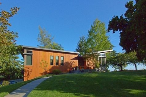 Modern Prefab In Oregon With Erfly Roofline
