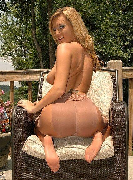 African girl nude ass hole