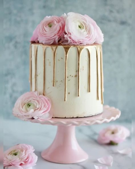 DIY Drip Gold Rose Cake