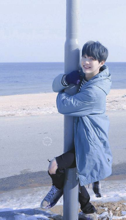 ❝ what will you do if saw bangtan taking a picture of you ❞ + bts p… # Fan-Fiction # amreading # books # wattpad