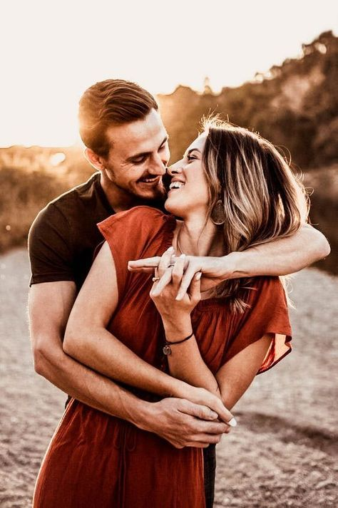 Couple shoot with love in the heart. Idea pose for a photo shoot for your high . - Couple shoot with love in the heart. Idea pose for a photo shoot for your wedding engagement bride -