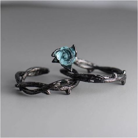Vintage Rose and Thorn Ring