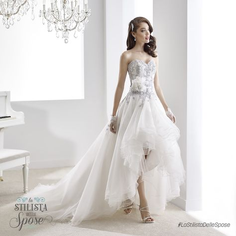 Episodio 2 - L'abito indossato da Ilaria, una frizzante sposa ballerina. Wedding Jolies dress 2016 collection.  http://www.nicolespose.it/it/abito-da-sposa-Jolies--JOAB16406-2016  #Nicole #Jolies #collection #nicolespose #alessandrarinaudo #wedding #flower #flowers #abitidasposa #bianco #white #weddingdress #sposa #bride #brides #bridal #LaStilistaDelleSpose #realtime