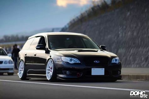 Subaru Legacy Wagon black