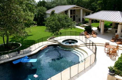The heated pool and cabana at Rick Perry's rental mansion.