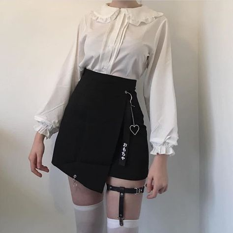 hipster outfits plus size Grunge Outfits, Hipster Outfits, Edgy Outfits, Korean Outfits, Grunge Fashion, Skirt Outfits, Look Fashion, Cool Outfits, Fashion Outfits