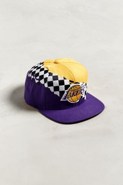 Mitchell Ness Los Angeles Lakers Checkered Snapback Hat In 2021 Mitchell Ness Snapback Hats Los Angeles Lakers