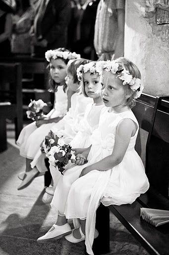 Trouvez la tenus des petites filles d'honneur parmi les sélections de Mariage à la Lettre !  http://www.mariage-a-la-lettre.com/