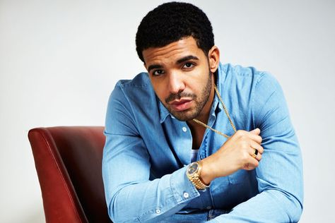 Community Magazine  – Drake releasing new music in 2013? Teases fans with studio pictures