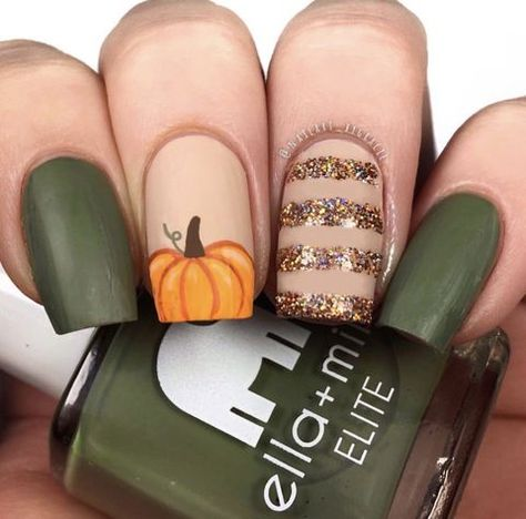 Must Try Fall Nail Designs And Ideas Pumpkin Nail Art ★ Easy and cute, no to mention elegant autumn 2019 nail art at your service!Pumpkin Nail Art ★ Easy and cute, no to mention elegant autumn 2019 nail art at your service! Fall Nail Art Designs, Halloween Nail Designs, Halloween Nail Art, Holloween Nails, Short Nail Designs, Designs On Nails, Brown Nail Designs, Halloween Makeup, Matte Nail Designs