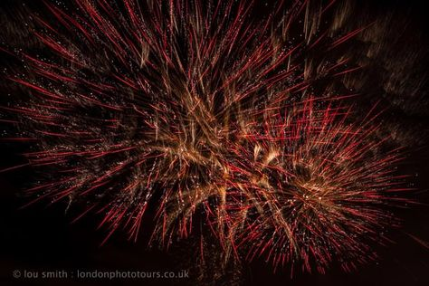How To Photograph Fireworks. Top Tips from Lou Smith. LondonPhotoTours.co.uk