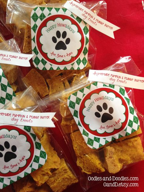 Happy HOWLidays homemade dog treats and FREE PRINTABLE by Oodles and Doodles, OandD