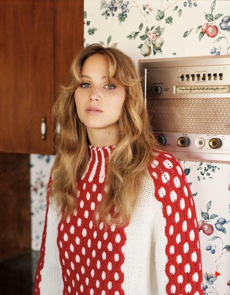bohemea: Jennifer Lawrence - Vogue UK by Alasdair McLellan, November like that hair and sweater mmmhmmm Vogue Uk, Trend Fashion, Look Fashion, Editorial Fashion, Vogue Editorial, Sofia Tsakiridou, Hair Inspo, Hair Inspiration, Pretty People