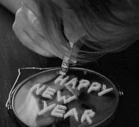 [Jeu] Association d'images - Page 3 824049c4bd0311ae76a3f31fe7ab4c35--new-year-celebration-bad-girls