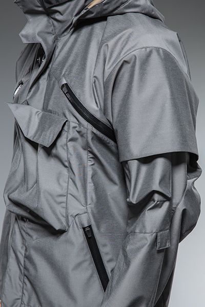 Tactical snowboarding jacket #design #fashion