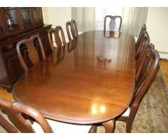 Ethan Allen Queen Anne Style Dining Room With 8 Chairs Dining
