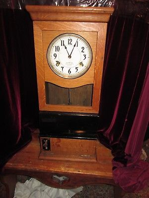 International Time Recording Company Time Clock Oak Dated 1924 Serial No 268117 Clock Time Clock Mantel Clock