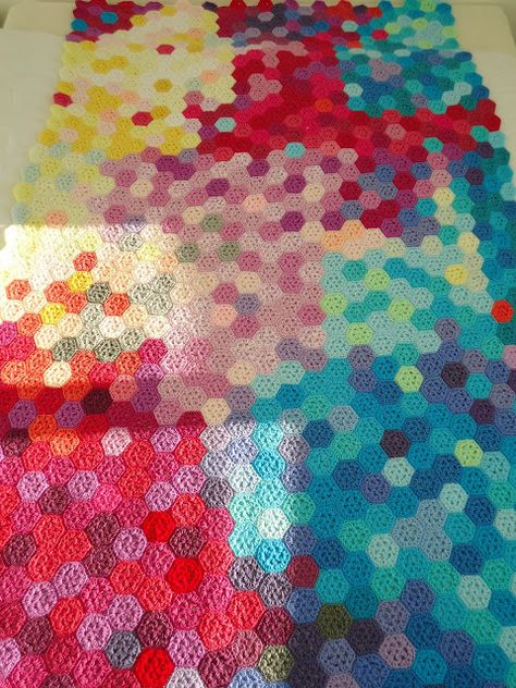 Amazing!! Love this awesome Crochet Blanket.  From MemeRose: Wordless Wednesday...